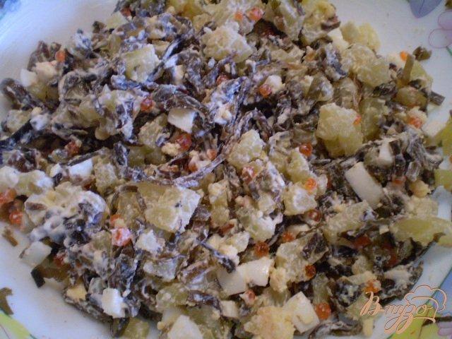 Фото приготовление рецепта: Салат с ламинарией Нептун шаг №3