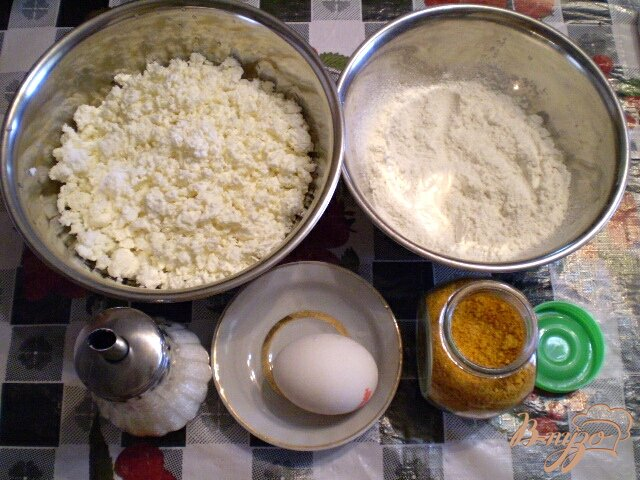Фото приготовление рецепта: Творожники с апельсиновой цедрой шаг №1