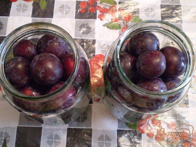 Фото приготовление рецепта: Сливовый компот на зиму шаг №2