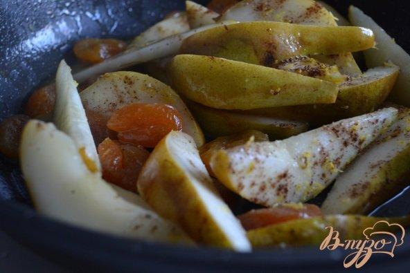Фото приготовление рецепта: Пряный гарнир с грушами шаг №2