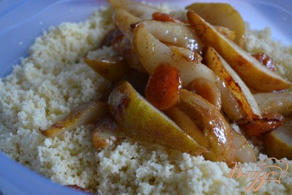 Фото приготовление рецепта: Пряный гарнир с грушами шаг №4