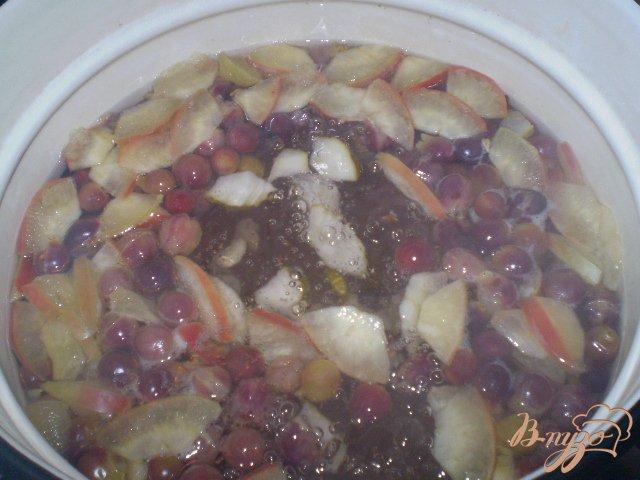 Фото приготовление рецепта: Фруктово-ягодный микс шаг №3
