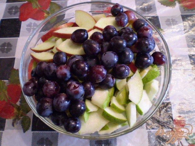 Фото приготовление рецепта: Фруктово-ягодный микс шаг №2