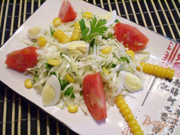 Рецепт Легкий овощной салат с кукурузой и перепелиными яйцами