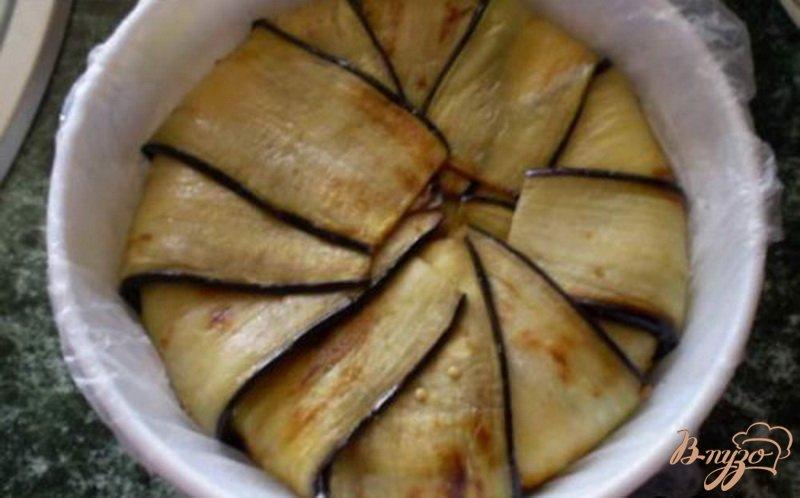 Фото приготовление рецепта: Террин из баклажанов, сладкого перца и сыра шаг №6