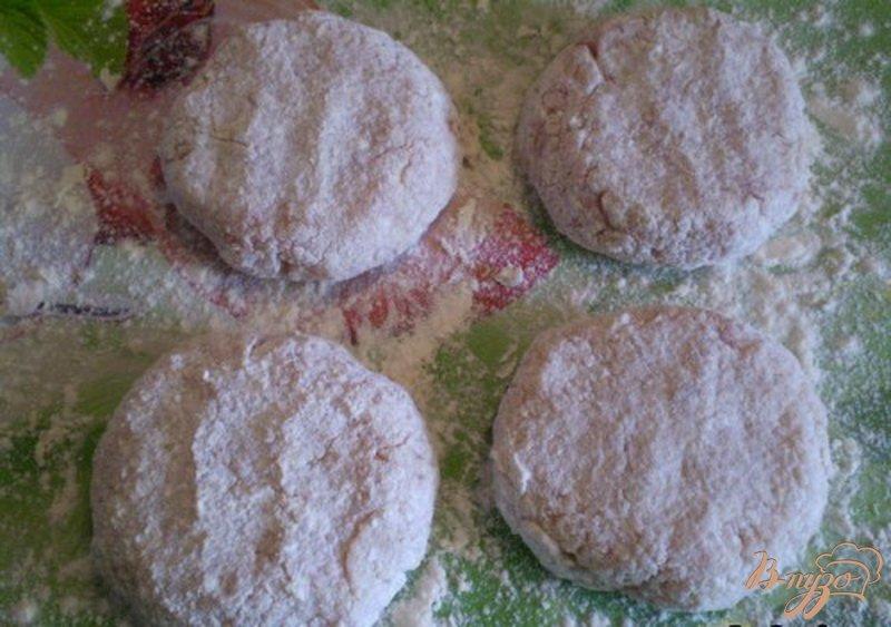 Фото приготовление рецепта: Котлеты мясные с капустой шаг №4
