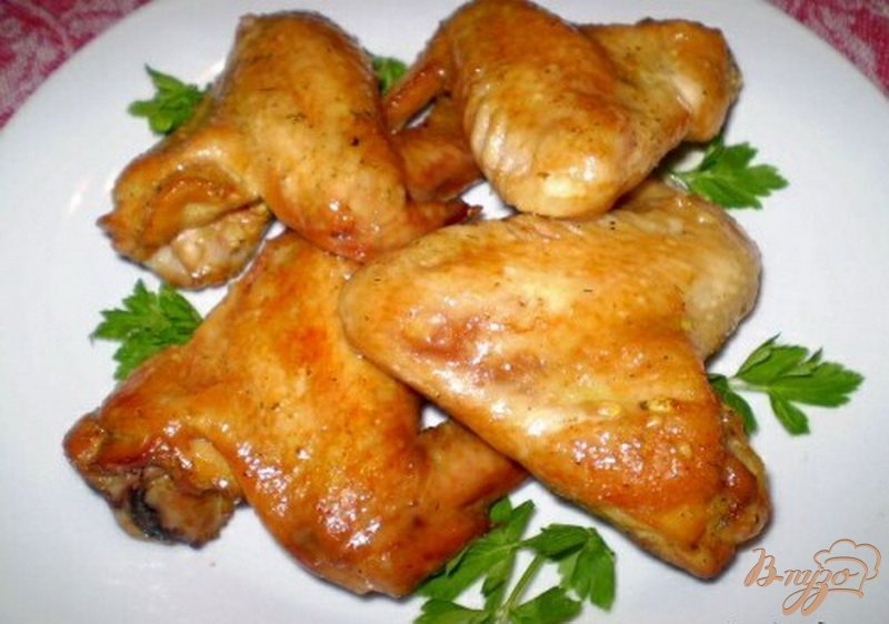 Фото приготовление рецепта: Крылышки маринованные в соевом соусе с медом шаг №6