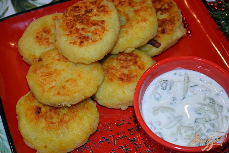Фото приготовление рецепта: Картофельные зразы с грибами по-польски шаг №9