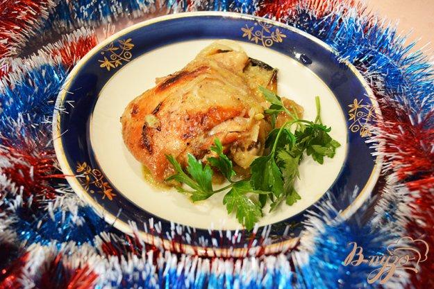 фото рецепта: Курица с яблоком, запеченая в рукаве