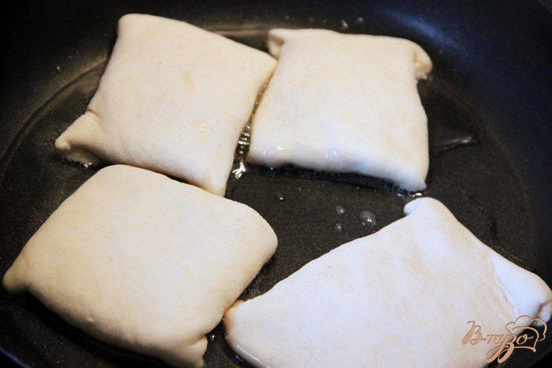 Фото приготовление рецепта: Квадратики с сыром шаг №6