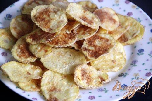 """Закуска из лосося на картофельных """"чипсах"""""""
