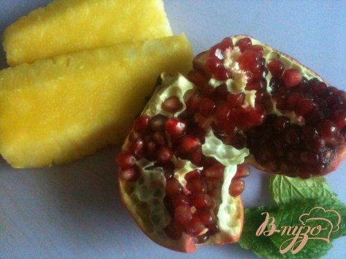 Фруктовый салат с ананасом