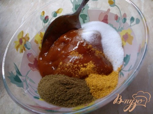 Куриные крылышки в медово-томатном маринаде.