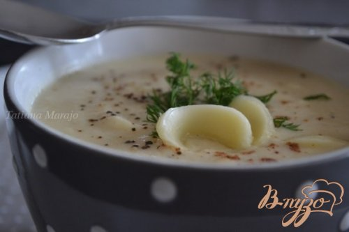 Суп-пюре из корневого сельдерея с сыром