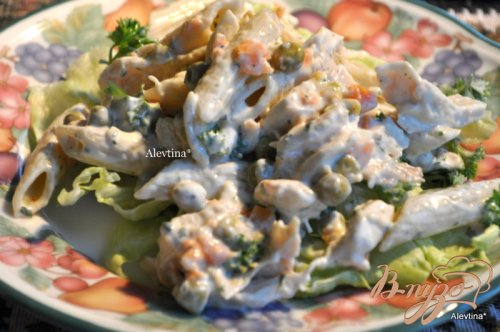 Куриный салат с пастой