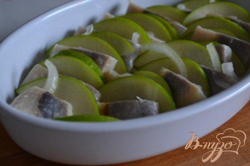 Закуска из сельди с яблоком