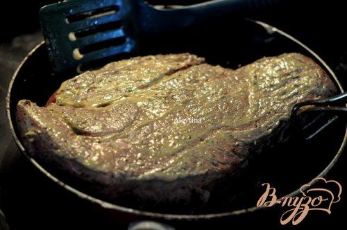 Говядина в панко крошке с чесночным вкусом