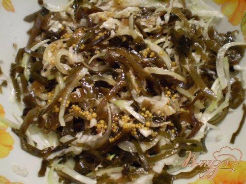 Салат из ламинарии с редькой и кунжутом