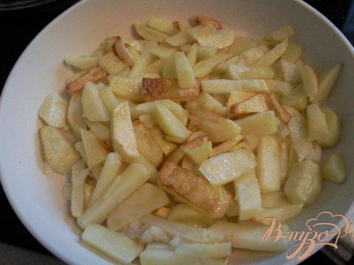 Картофель, жаренный с яблоком