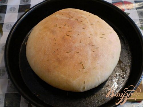 Хлеб с розмарином и оливковым маслом