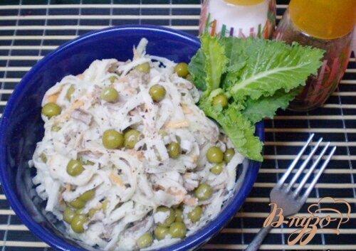 Салат из капусты брокколи и говядины.