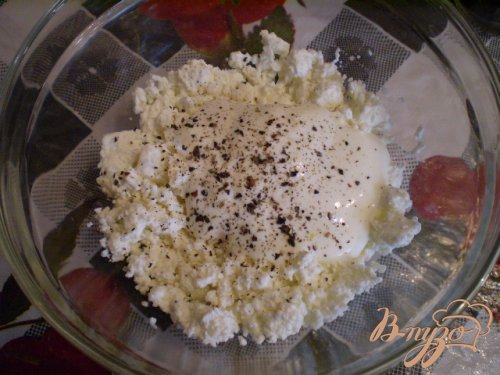 Овощной салат с творогом и сметаной
