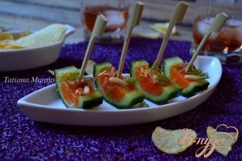 Закуска из свежего огурца с томатным желе