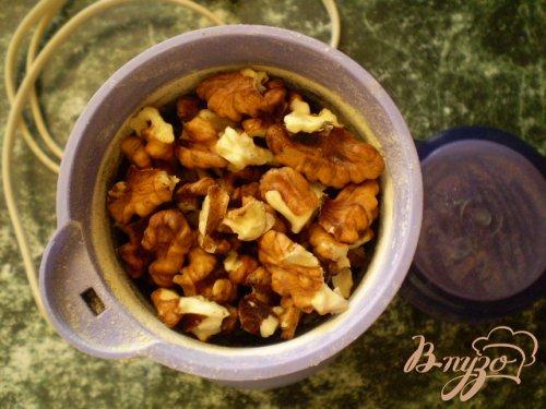 Мясо тушенное с грецкими орехами