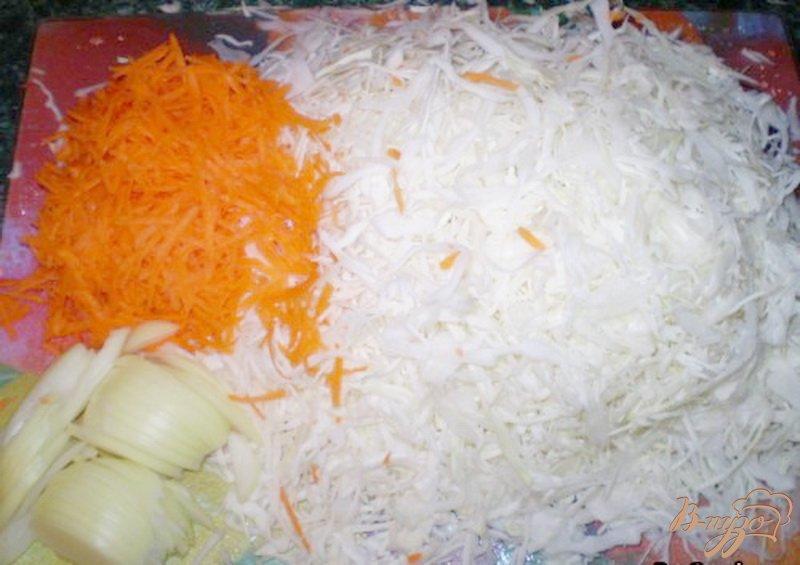 Фото приготовление рецепта: Заливной пирог с капустой шаг №1