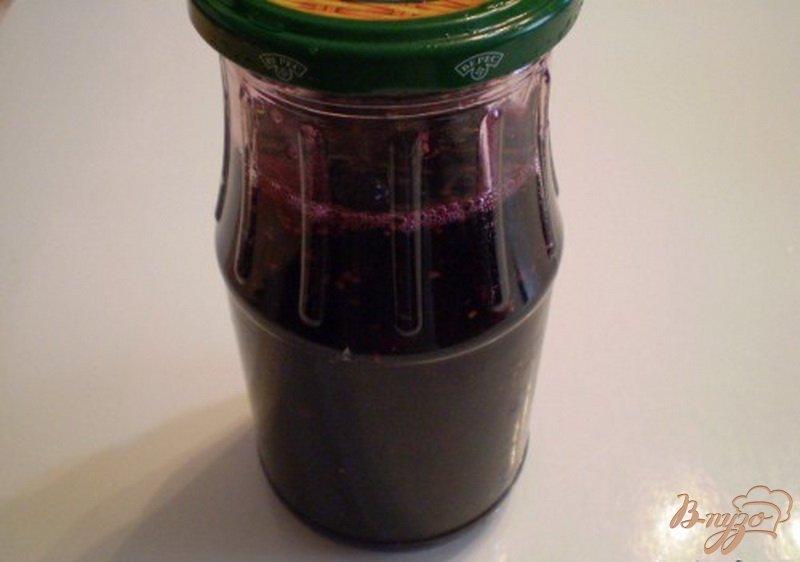 Фото приготовление рецепта: Наливка из шелковицы шаг №4