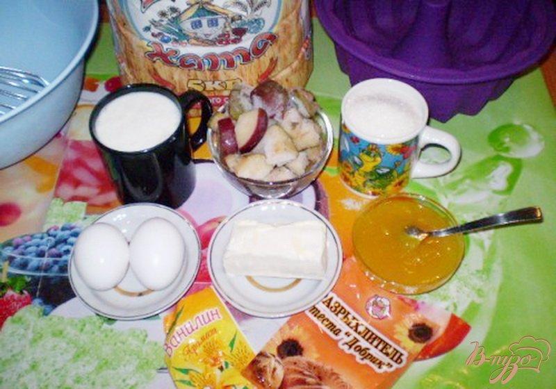 Фото приготовление рецепта: Медовый кекс с грушами шаг №1