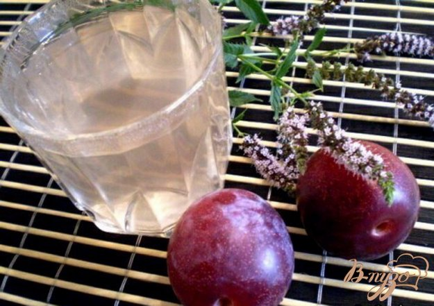 Рецепт Мятно-сливовый компот