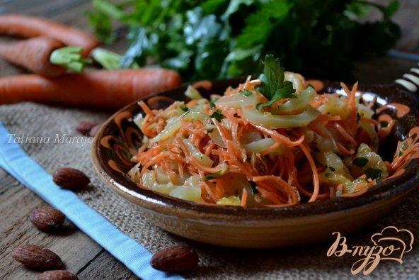 Фото приготовление рецепта: Морковный салат со сладким перцем и апельсином шаг №5