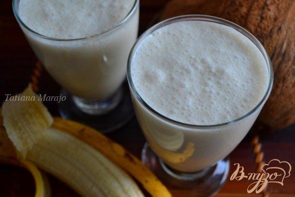 Фото приготовление рецепта: Смузи с бананом на кокосовом молоке шаг №3