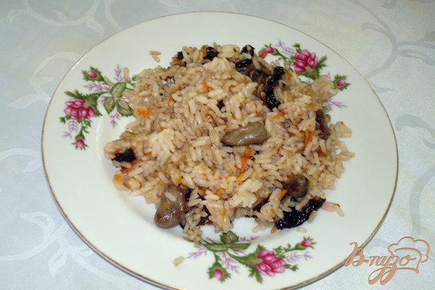 Рецепт Паэлья с куриными сердечками и черносливом