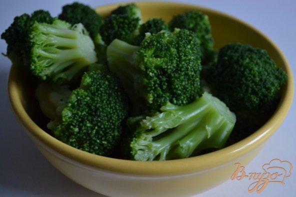Фото приготовление рецепта: Спагетти с брокколи и чесночным соусом шаг №2