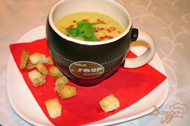 фото рецепта: Суп из кабачков с гренками