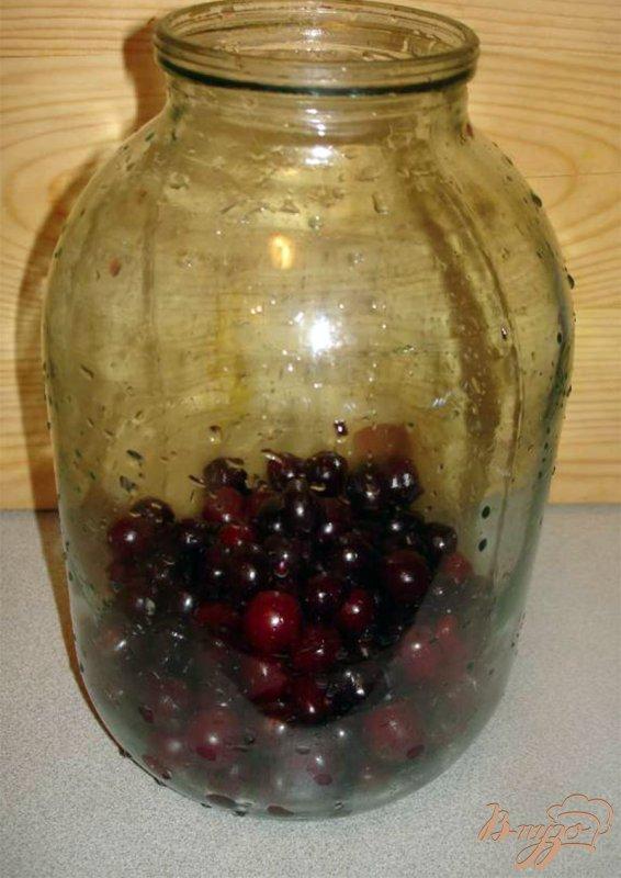 Фото приготовление рецепта: Домашняя вишневая наливка без спирта шаг №1