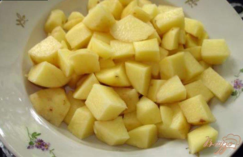 Фото приготовление рецепта: Сырный суп с ветчиной, сельдереем и другими овощами шаг №1
