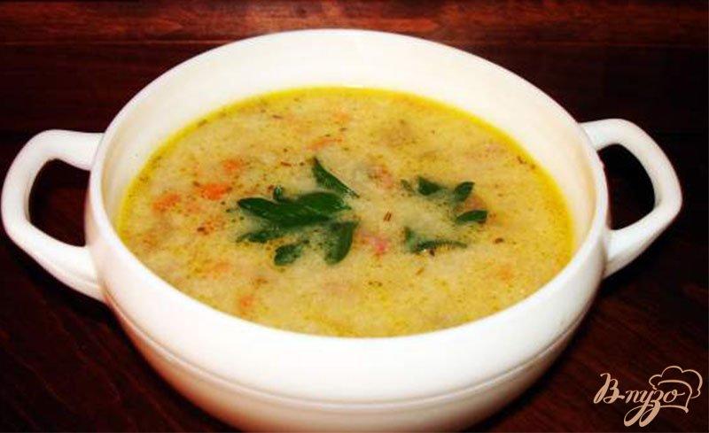 Фото приготовление рецепта: Сырный суп с ветчиной, сельдереем и другими овощами шаг №8
