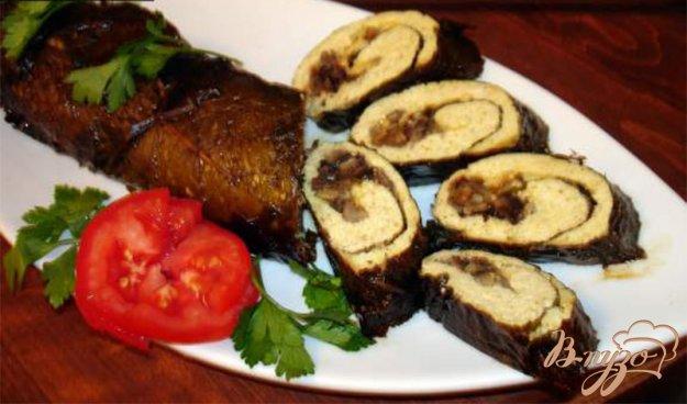 Рецепт Куриный рулет с карри, сыром и грибами, завернутый в виноградные листья