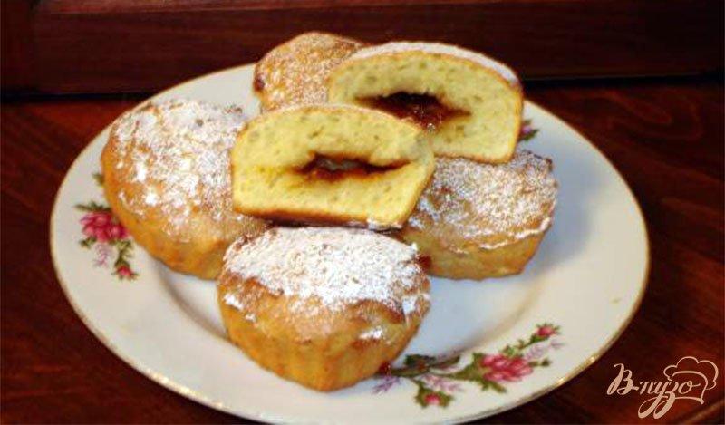 Фото приготовление рецепта: Сметанные булочки с повидлом шаг №7