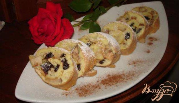Рецепт Фантастический яблочный пирог-рулет с черносливом
