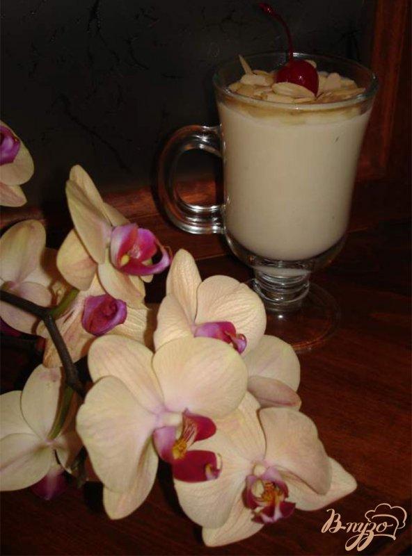 Фото приготовление рецепта: Белый горячий шоколад шаг №4