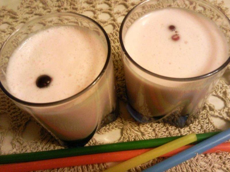 Фото приготовление рецепта: Десерт из сливок и фруктового желе шаг №3