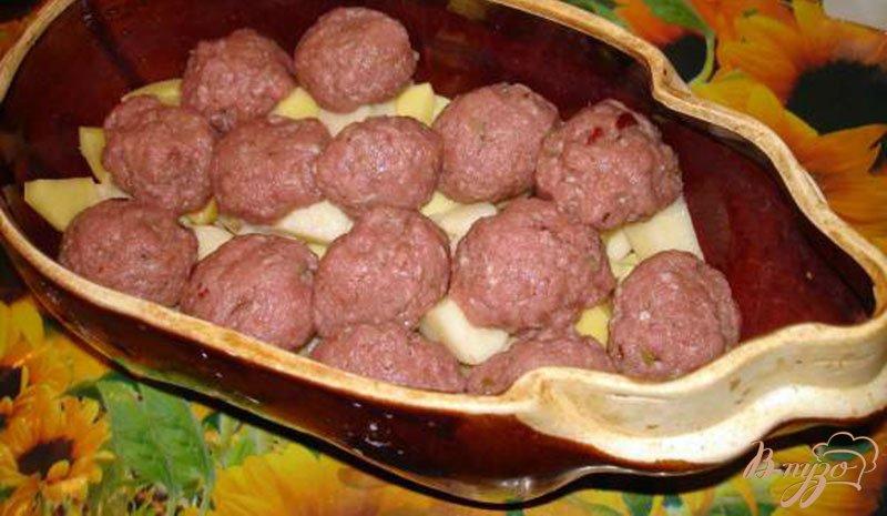 Фото приготовление рецепта: Жаркое с фрикадельками шаг №4