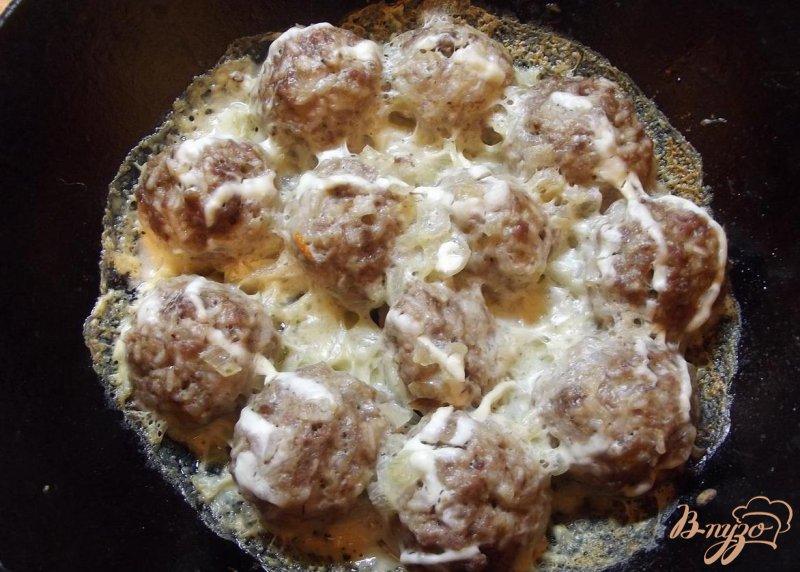 Фото приготовление рецепта: Шведские фрикадельки в сливочном соусе шаг №5