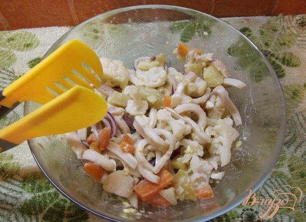 Рецепт Овощной салат с кальмаром