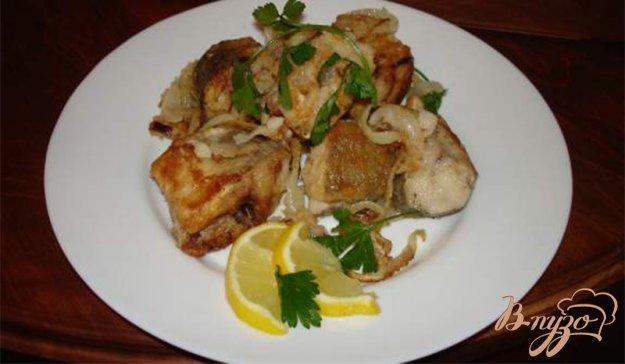 фото рецепта: Рыба под хрустящим луком