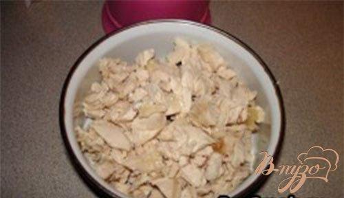 Cырный салат с курицей